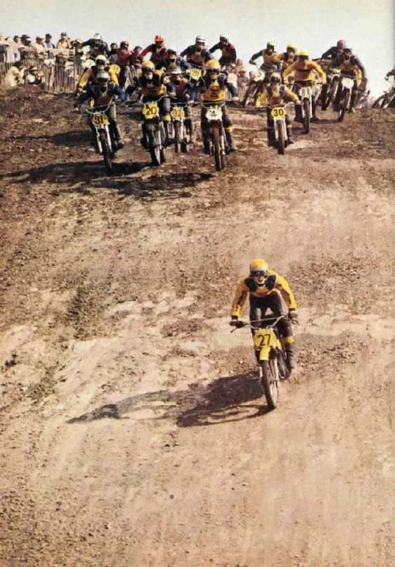 The 1972 American motocross season in a single image: after turn one, Jonnson already pulling away